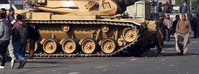In Egitto è l'ora dei carri armati
