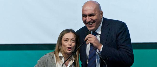Chiuse le liste per fratelli d 39 italia no agli indagati for Senato centralino