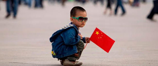 Uno scandalo manda in crisi la legge del figlio unico: le multe erano intascate dai burocrati cinesi
