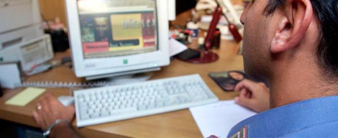 Pubblica su Facebook le foto della ex nuda: arrestato un 25enne di Caltanissetta