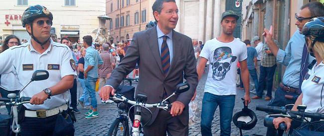 L'ultima di Marino: Roma chiusa al traffico una notte per far girare le biciclette. Neanche a Pechino…