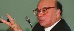 Grillo: «Una via a Craxi? Lasciamolo in Tunisia, meglio una via a Dario Fo»