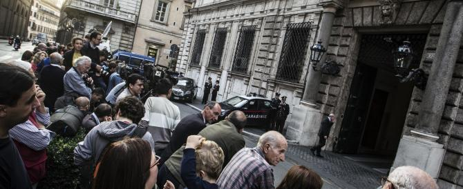 Il Pdl verso il Consiglio nazionale: si fa avanti il fronte che vuole le primarie (da Formigoni a Gasparri)