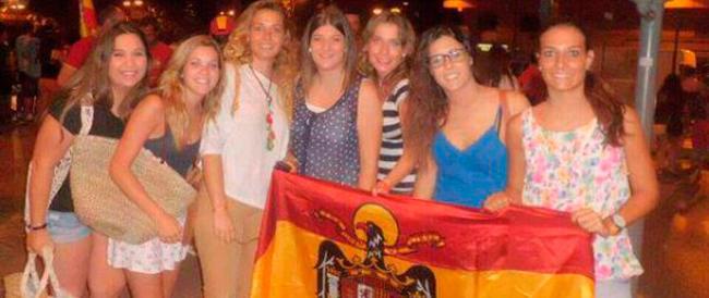 In provincia di Madrid dedicano una mostra al franchismo e in Spagna è allarme sui giovani falangisti