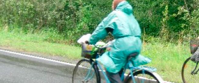 Era cieca ma andava in bicicletta: spiata, indagata e assolta. Era davvero cieca