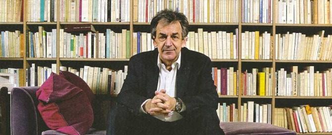 """Alain Finkielkraut, chi è il filosofo """"cattivista"""" che porta acqua al mulino di Marine le Pen"""