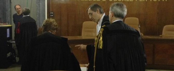 Sentenza-lampo contro Berlusconi: due anni di interdizione. È bastata solo un'ora per decidere…