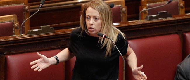 Ucraina, Meloni al governo: «Basta fare i servi sciocchi. Non dobbiamo più appoggiare le sanzioni»