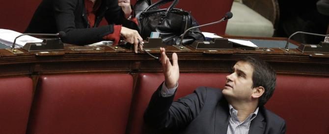 Stasera il vertice Alfano-Berlusconi dopo le pesanti accuse di Fitto: «Angelino vuol fare la festa a Silvio»