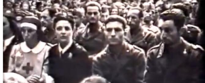 A 93 anni si cerca (con l'aiuto del figlio) e si trova su Youtube in un filmato del 1942: partiva per la guerra…