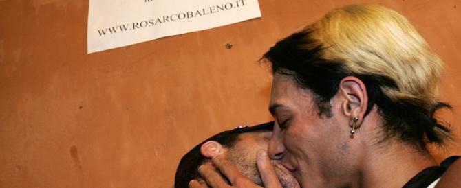 """Campidoglio paralizzato, ma Marino ha le sue priorità: arriva la delibera """"lampo"""" per le unioni civili a Roma"""