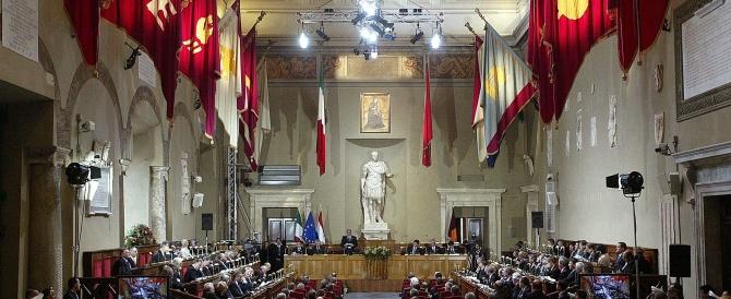 La Roma di Marino fa acqua da tutte le parti. Non solo l'Ara Pacis: a rischio anche la Sala degli Orazi e Curiazi