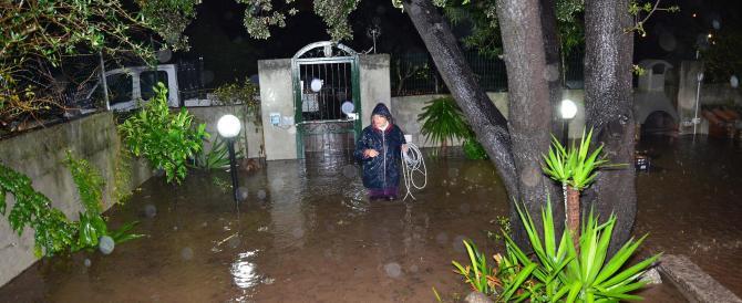 """Il ciclone """"Cleopatra"""" fa strage in Sardegna: sedici morti, decine di sfollati. E il maltempo non si ferma"""