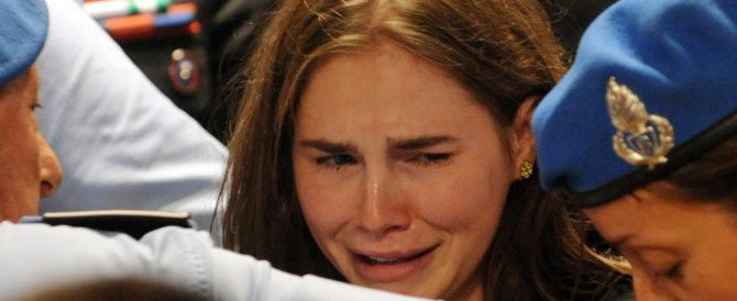 Amanda Knox dà forfait e si difende chiamando in causa lo spettro di Satana