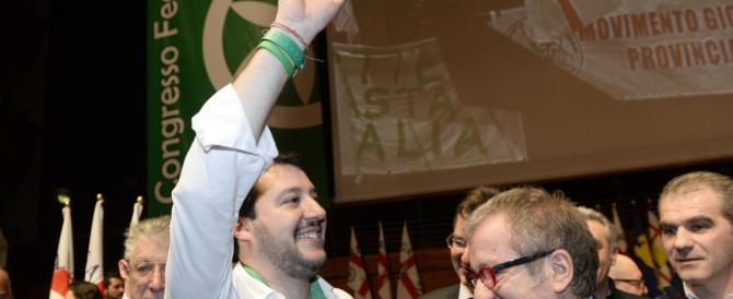 La Lega incorona Salvini ma si scopre divisa (con i bossiani) sull'uscita dall'euro