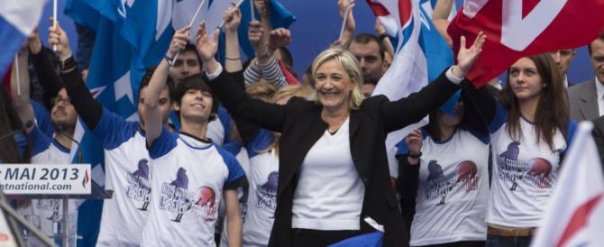 Marine Le Pen a Hollande: svegliati, la Guerra fredda è finita da un pezzo