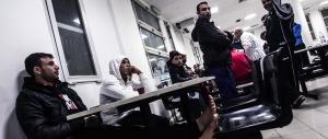L'altolà di Alfano al Pd: «La Bossi-Fini non si tocca. I migranti di Ponte Galeria? La metà sono spacciatori»