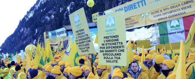"""Sos """"made in Italy"""": la protesta della Coldiretti al valico del Brennero contro i cibi taroccati"""