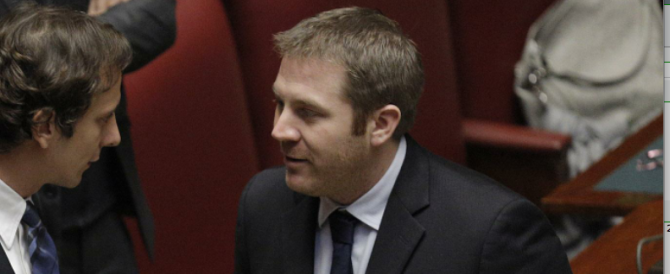De Rosa non si scusa per le offese sessiste alle deputate Pd: «È quello che pensano gli italiani»