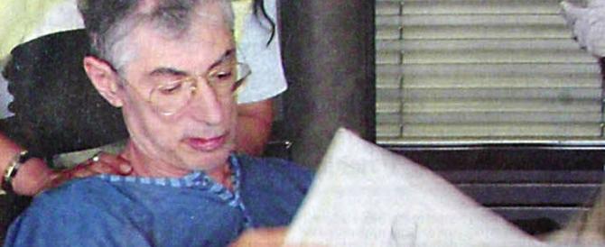 Auguri di morte a Bersani, vergogna in rete. Ma nel 2004 tra i banchi dell'Ulivo si esultò per l'ictus a Bossi