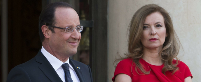"Nuovo scoop di ""Closer"": Hollande e Julie si amano da due anni. E la first lady tradita resta in ospedale"