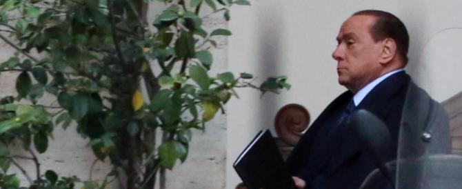 L'ira di Berlusconi per la nuova spallata giudiziaria: «Il mio impegno per il Paese punito dalla barbarie dei pm»
