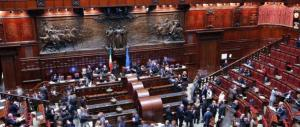 Fumata nera sull'Italicum. Quote rosa in bilico: le deputate per protesta si vestono di bianco