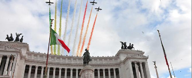Unità d'Italia, le celebrazioni al Vittoriano. Meloni: «E oggi Renzi va in Germania a prendere ordini»