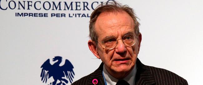 Padoan annuncia le privatizzazioni e tenta l'effetto simpatia con la Confcommercio: «Non sono il signor no»
