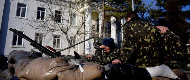 Kiev non ritira le truppe dalla Crimea: l'Osce invia cento osservatori