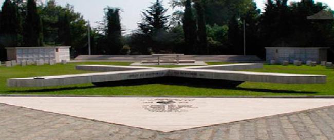 Cerimonia di riapertura del Campo della Memoria, profanato un anno fa