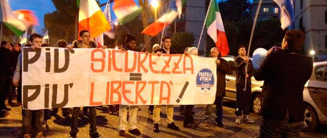 Roma, fiaccolata di Fratelli d'Italia per la sicurezza alla Magliana
