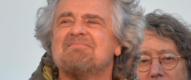 """Dal Vaffa-day alla """"Costituzione non si tocca"""". Ora Grillo guida il fronte della conservazione"""