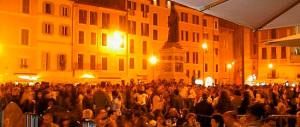 Nella Roma di Marino un nuovo gioco demenziale: pugni in faccia ai passanti