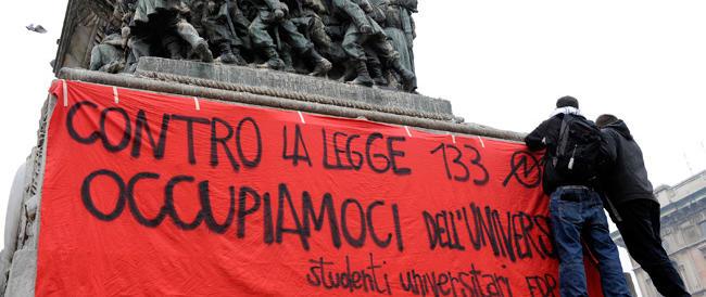 """Devestarono la Statale di Milano: rischiano da 8 a 15 anni gli """"okkupanti"""" dell'estrema sinistra"""