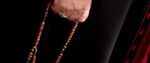 Pedofilia, seicento denunce l'anno contro il clero. Storico incontro del Papa con le vittime