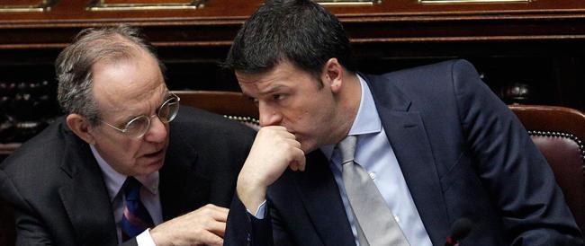 """Dall'epocale taglio delle tasse al bonus """"elettorale"""" in busta paga. Prime crepe nelle promesse di Renzi"""
