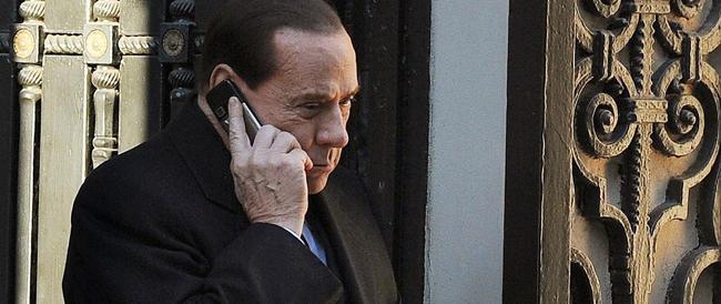 Agli avvoltoi politici fa più paura il Berlusconi ai servizi sociali del Berlusconi libero