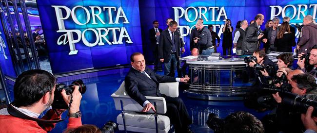 """Renzi perennemente in tv. Ma se per una volta ci va il Cav scoppia l'inferno. È la nuova """"democrazia"""""""