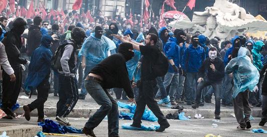 """Hanno devastato Roma, ma continuano a chiamarli """"ragazzi"""""""