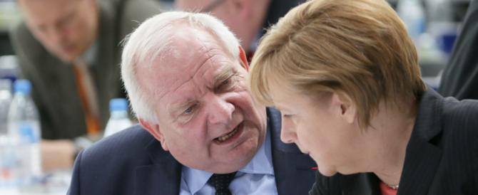 La gaffe di Daul, presidente del Ppe: «L'Europa unita? Consente a tutti i giovani di vedere i porno»