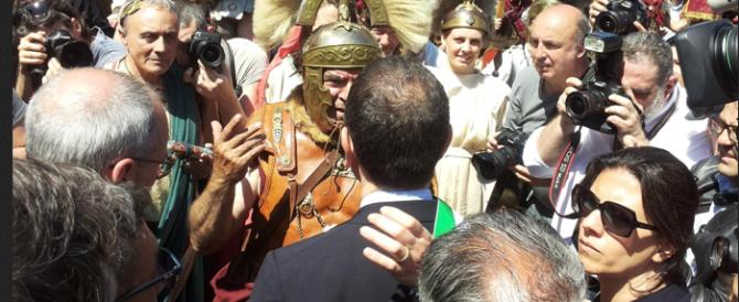 Come ogni anno a Pasqua arrivano i turisti, ma Franceschini e Marino si vantano: «Merito nostro»