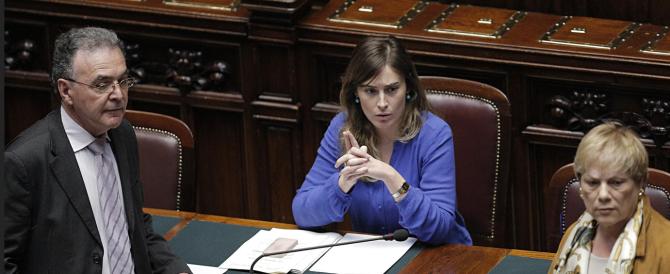 """Lavoro, il Ncd minaccia la crisi ma si ferma di fronte alla """"fiducia"""". Renzi: fanno campagna elettorale…"""