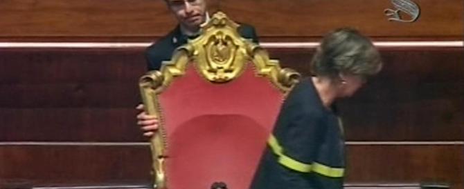 """Senato, bagarre grillina per il ddl sul voto di scambio. E Calderoli ripropone la """"ghigliottina"""""""
