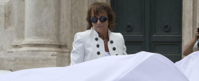 """Evasione fiscale, sequestrata la villa di Gianna Nannini: solo un anno fa cantava l'Italia """"giusta"""" del Pd…"""