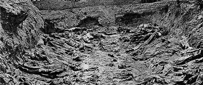 Parma, l'assessore cambia la storia sul massacro staliniano di Katyn