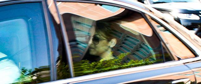 """Berlusconi dimesso dall'ospedale. Spunta un """"fuori onda"""" tra la Gelmini e Toti sulle paure del Cavaliere"""