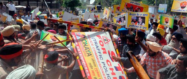 I cortei dei sikh in favore dei marò? Rischiano di essere più dannosi che utili alla causa…