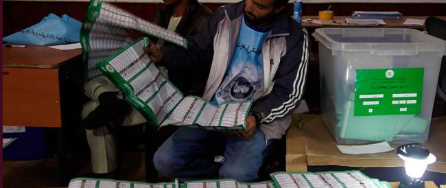 """Presidenziali in Afghanistan, due ex ministri di Karzai al ballottaggio. Ma il suo """"protetto"""" non passa…."""