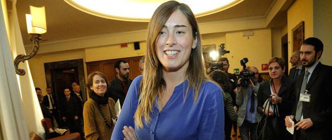 """Riforme, la Boschi elogia Berlusconi. Ma """"Il Mattinale"""": «Sono pasticcini, all'Italia serve una cura shock»"""